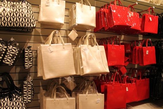 Handbags at Harrods Gift Shop - London Perfect 89cf3324442