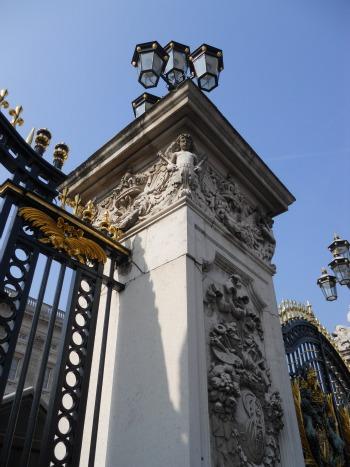 Visit Buckingham Palace in London 2012