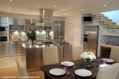 London Perfect Chelsea Vacation Rental Beautiful Kitchen and Dining Area