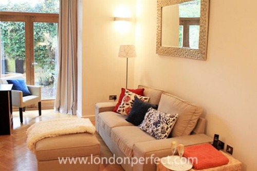 London Perfect Chelsea One Bedroom Vacation Rental Living Room