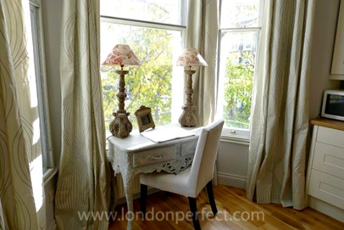 London Perfect Chelsea Vacation Rental Writing Desk