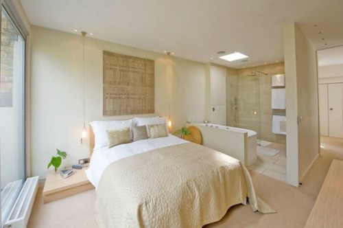 Holland Park Mews Home for Sale Bedroom