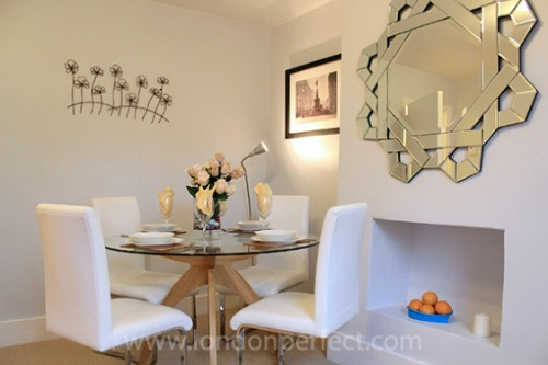 Two Bedroom Vacation Rental in Notting HIll  Dining Area