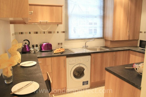 Two Bedroom Vacation Rental in Notting HIll Kitchen