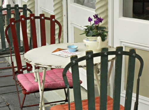 Outdoor Dining at Beach Blanket Babylon in Notting Hill