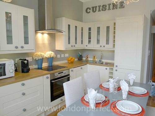 London Perfect Chelsea Two Bedroom Vacation Rental Kitchen