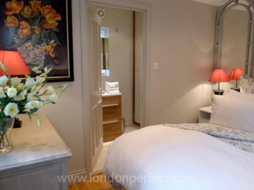 London Perfect Chelsea Vacation Rental Master Bedroom Queen