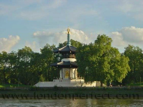 London vacation rental near Thames and Battersea Park