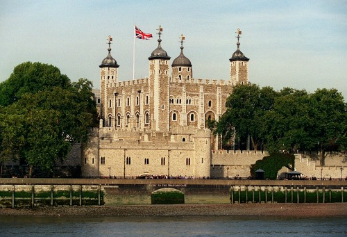 The White Tower, the Romanesque origins of the Tower of London complex in the city's East. (Courtesy Historic Royal Palaces)
