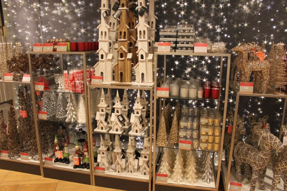 10-christmas-decorations-peter-jones-sloane-square