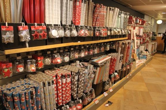 14-christmas-wrapping-peter-jones-sloane-square