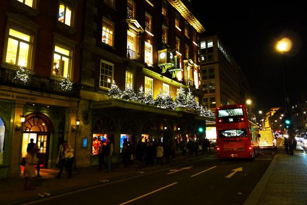 2 s christmas scenes londonperfect luxury rentals