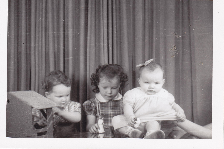 3 little girls christmas