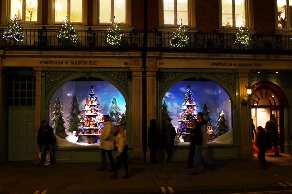 3.1 s best christmas display windows