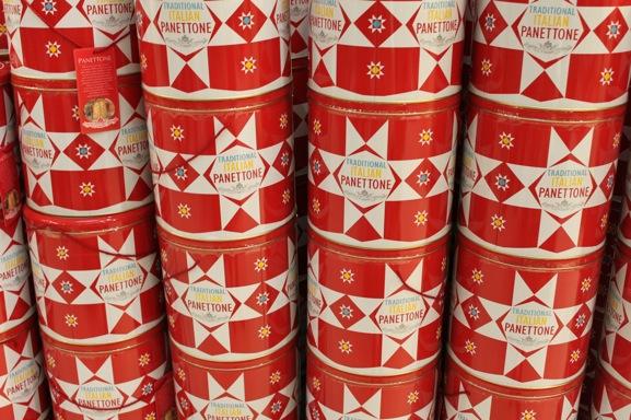 60-christmas-italian-panettone-tin