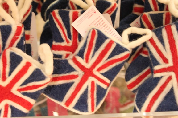 7-union-jack-felt-christmas-decoration
