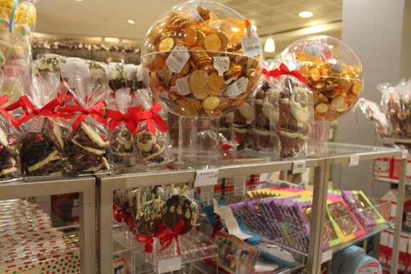 72-peter-jones-christmas-chocolates