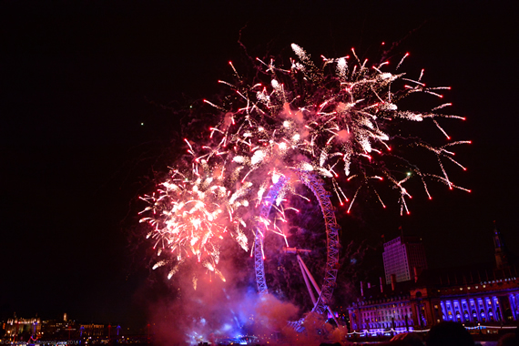 Welcome to 2014 – Spectacular New Year's Eve Fireworks in London!