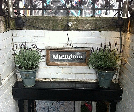 Attendante Cafe London