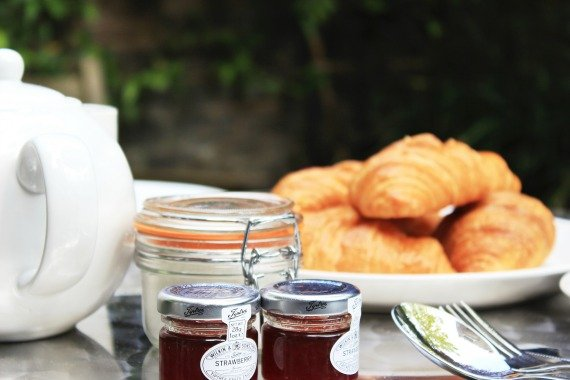 Breakfast in the Garden London Perfect Chelsea Vacation Rental