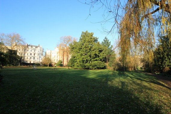 Space to explore in the Leicester Gardens