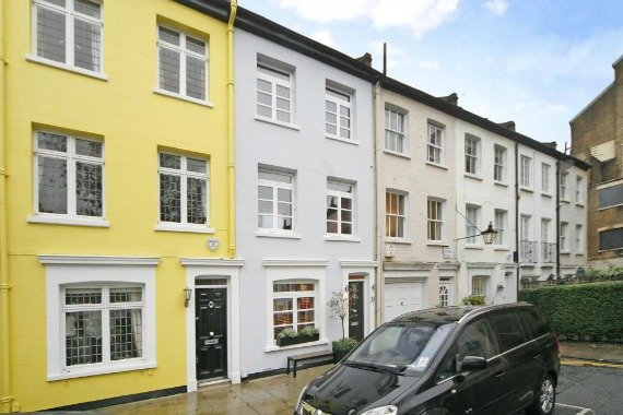 London Property for Sale Pembroke Place Kensington