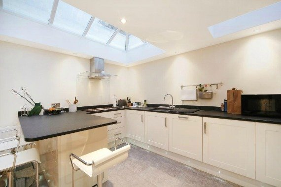 London Property for Sale Pembroke Place Kitchen