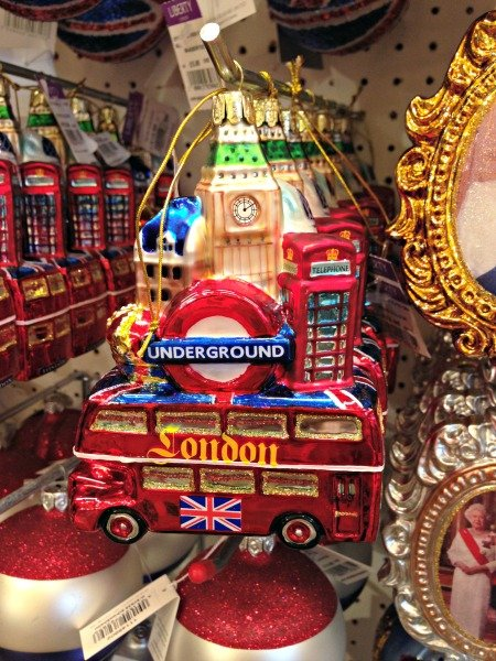 You definitely need a reminder of your amazing holiday in London!