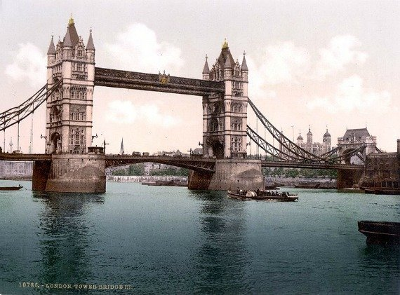 Tower Bridge open for traffic in 1900.
