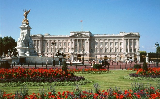 Don't Miss the Chance to Visit Buckingham Palace this Summer!