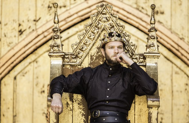 RICHARD II at the Globe in London. Photo by Johan Persson and provided by Shakespeare's Globe Press Office.