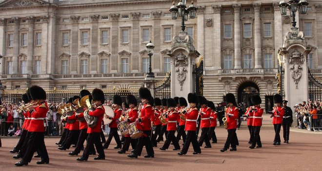 How to Make the Changing of the Guard a True London Vacation Highlight!