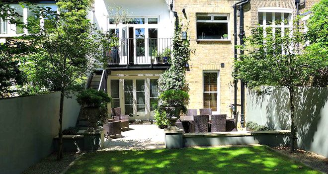Relax in the Glorious Gardens of London Perfect