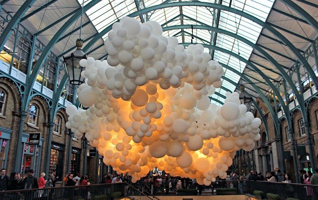 100 000 Balloons Float Into Covent Garden London Perfect