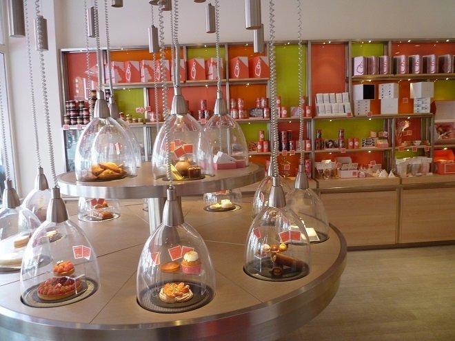 Delicious Treats at Artisan Bakery La Pâtisserie Des Rêves
