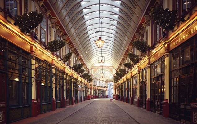 London's Leadenhall Market at Christmas time. Image by Aurelien Guichard.