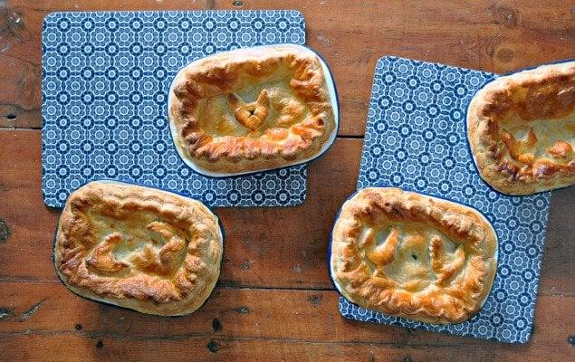 Recipe for Hearty British Chicken, Leek & Smoked Ham Pies