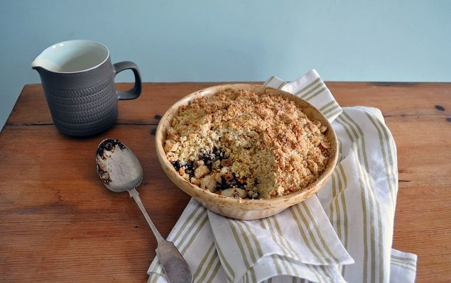 Recipe For Pear, Chocolate And Hazelnut Crumble