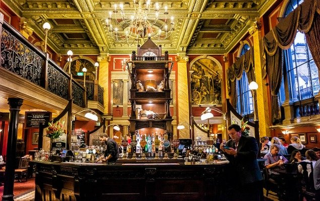 What Makes London Pubs So Great?