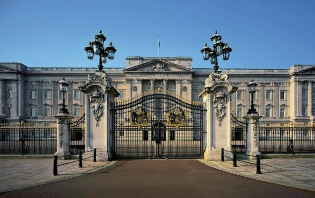 Buckingham Palace Reopens its Gates for Summer 2016