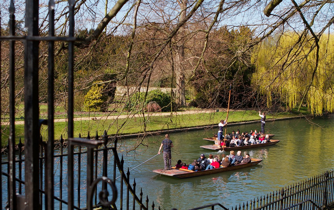 Top Day Trips to Take from London Punting - Cambridge