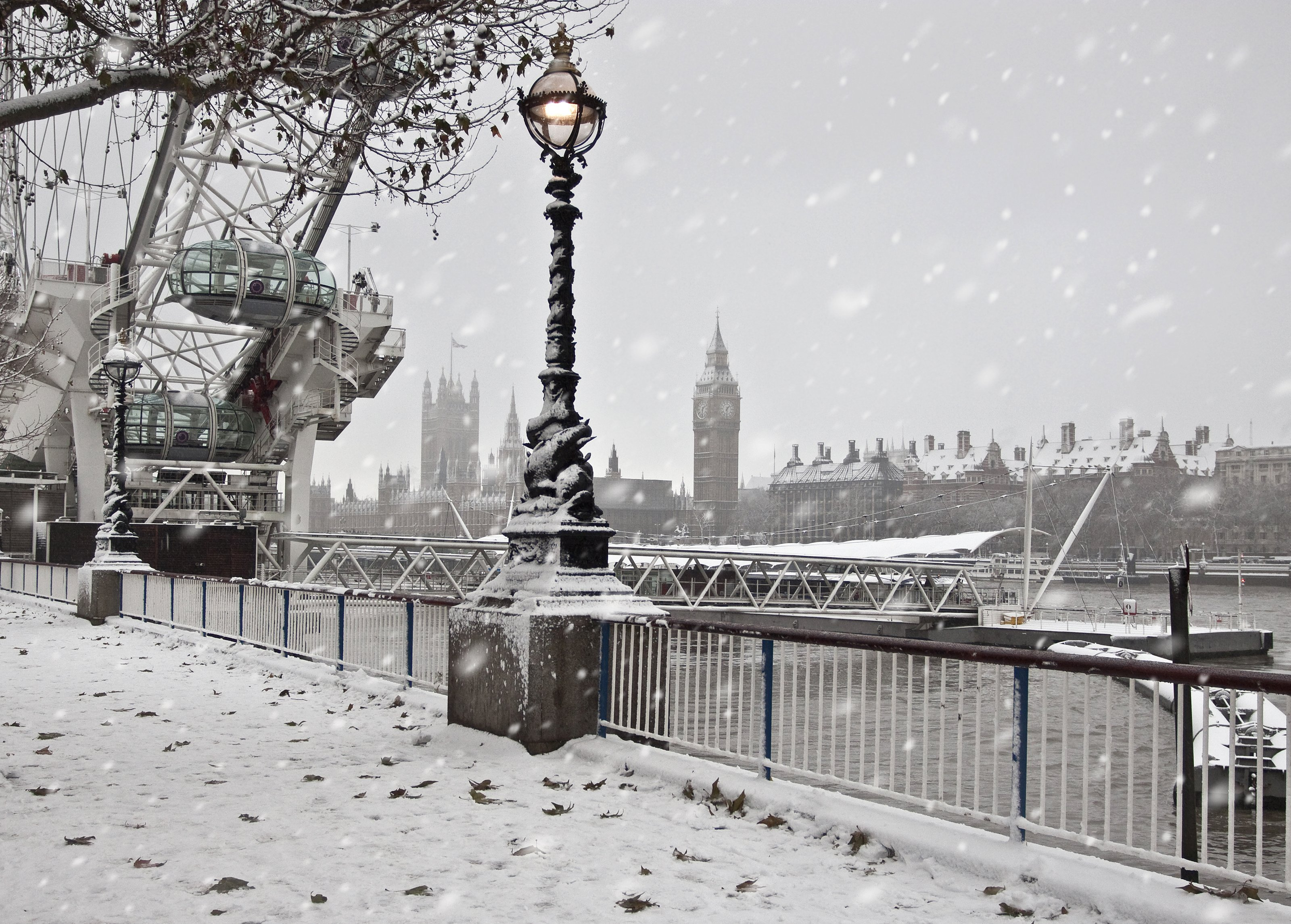 Magical Holiday Traditions In London!