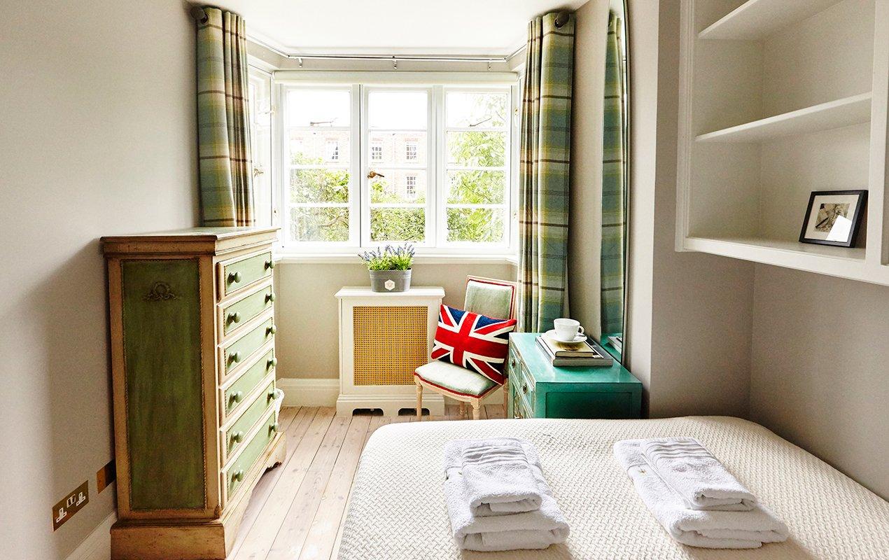 macdonald-bedroom-1