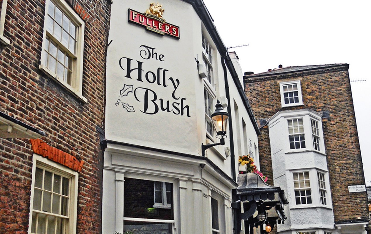 The-Holly-Bush-Pub