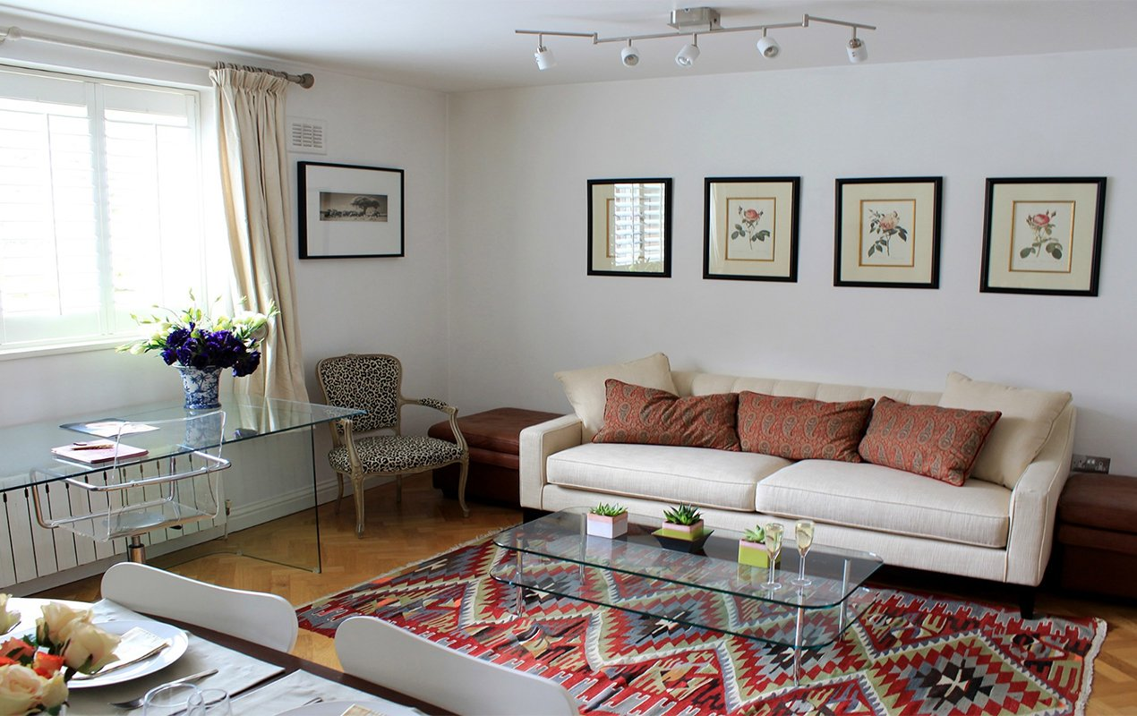 Stay At The Russell And Shop In South Kensington!