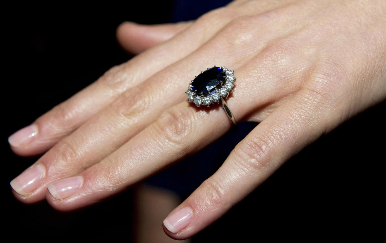 Diana Kate Middleton engagement ring