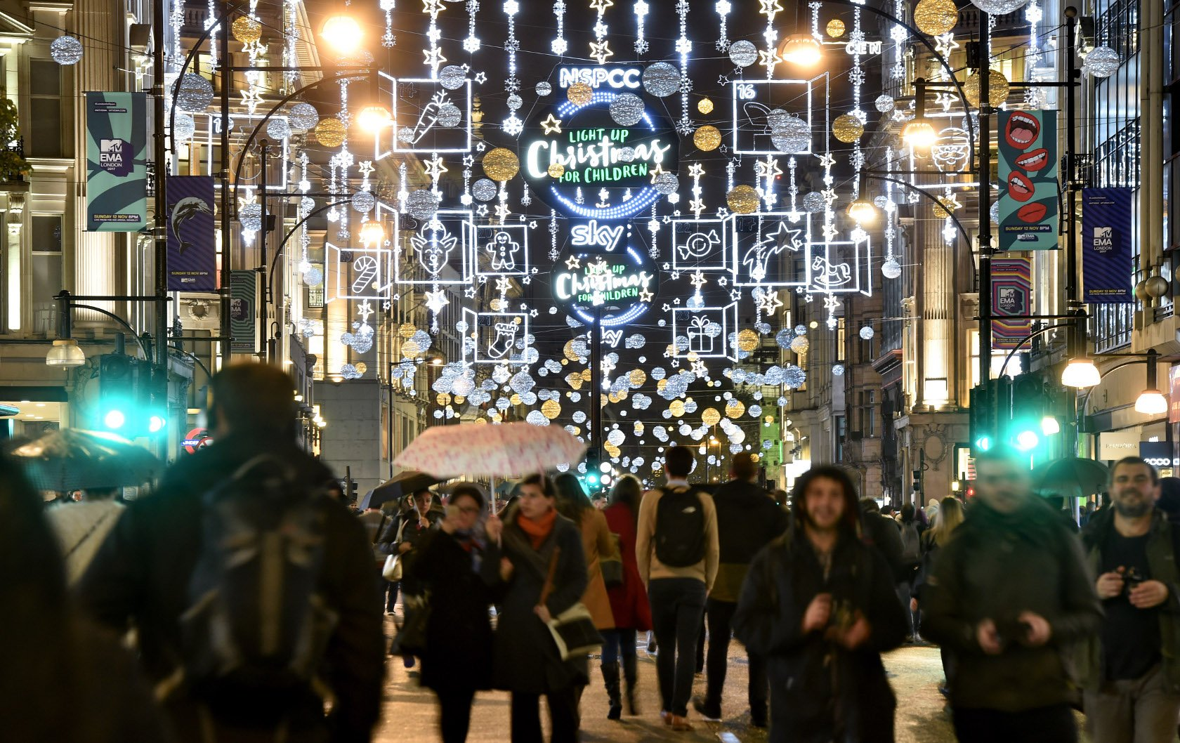 10 Magical Christmas Light Displays To See In London
