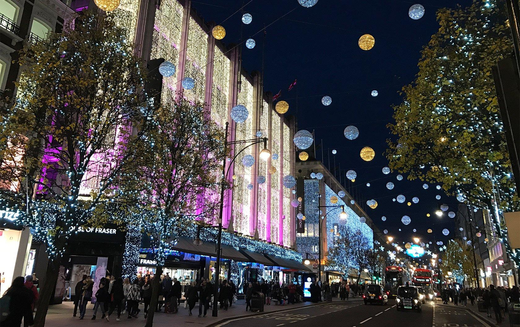 London-Christmas-lights-wikimedia