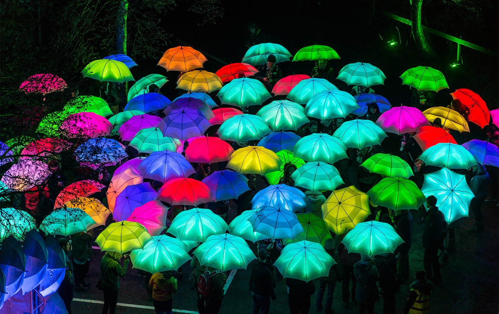 umbrella-project-by-cirque-bijou-credit-artichoke