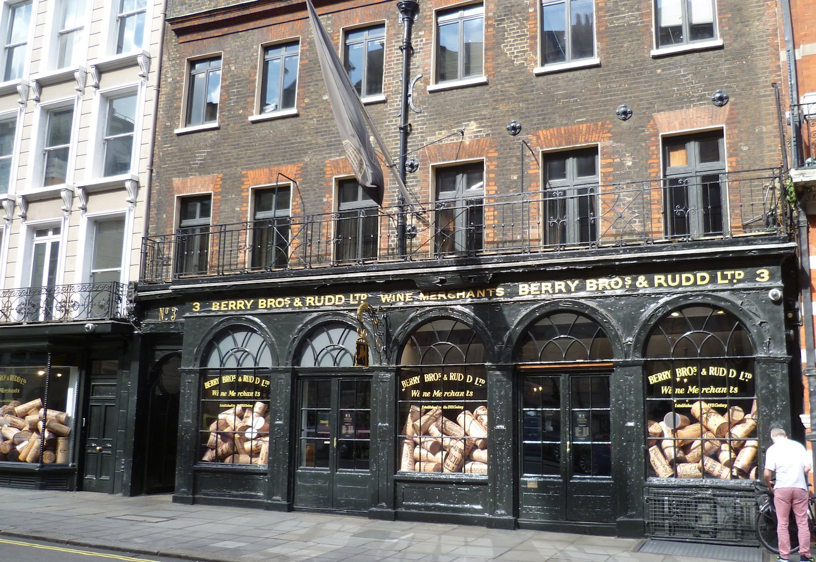 food souvenir stores in London by London Perfect